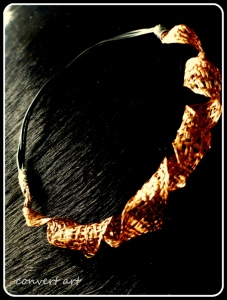 04-necklace-from-tv-copper-windings-and-pc-cables